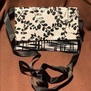 NWOT crossbody/shoulder minimalist bag
